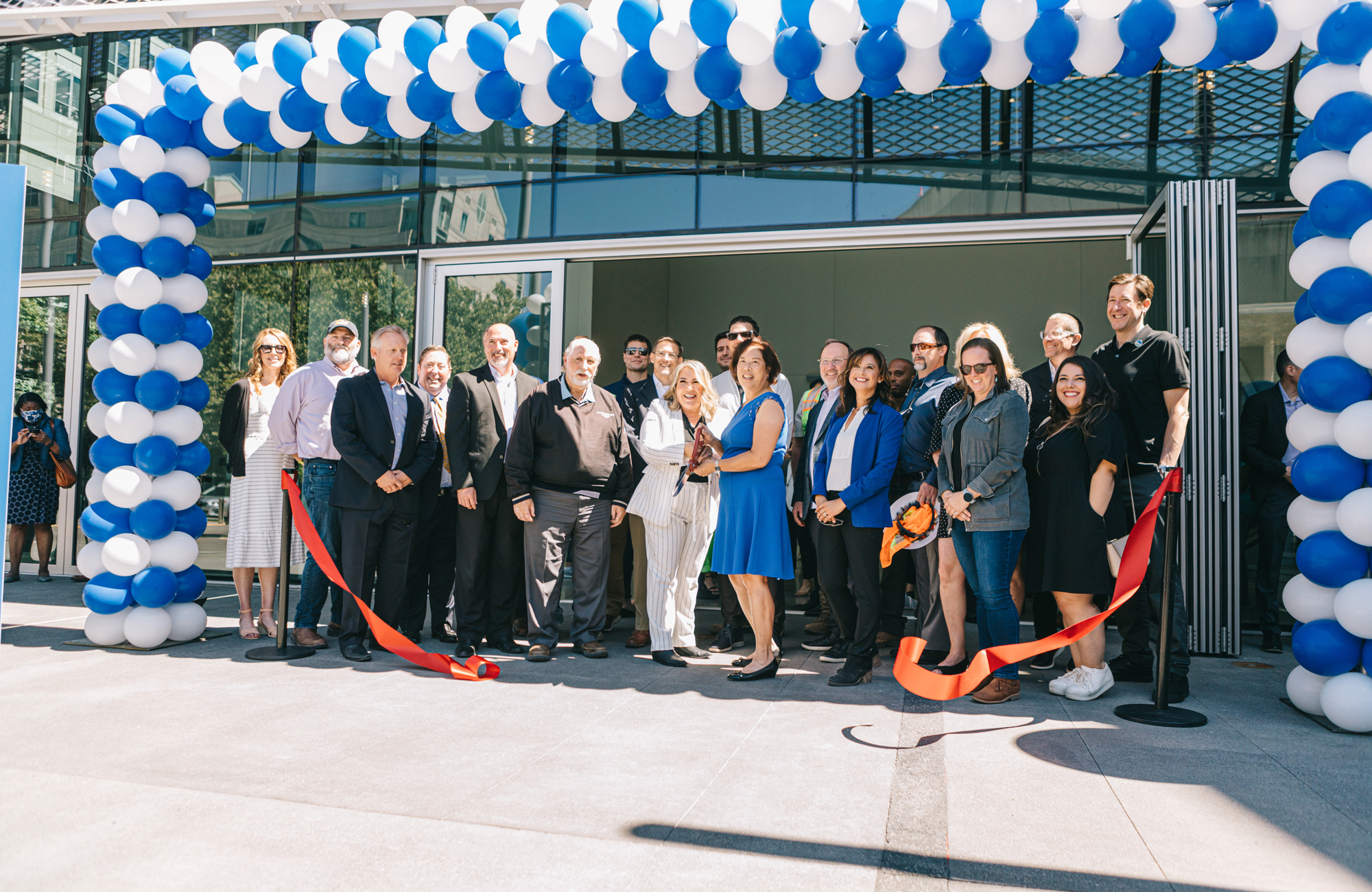 Successful opening of the City of Sacramento SAFE Credit UnionConvention Center celebrated with ribbon-cutting ceremony